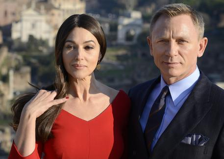cassel single women Monica bellucci ends her marriage to vincent cassell  that her marriage to star actor vincent cassel was  ends her marriage to vincent cassell by 'mutual.