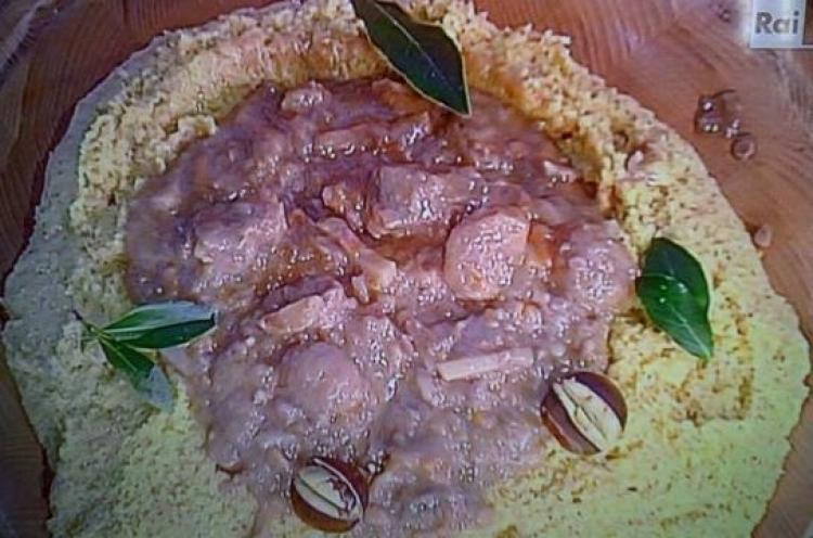 Le ricette di Anna Moroni La Prova del Cuoco puntata 26 ottobre 2015. Stracotto di bue alla birra con castagne