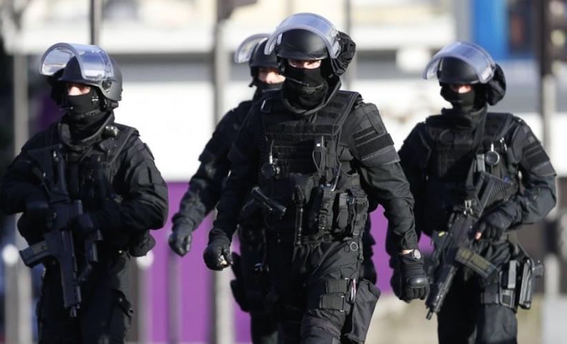 allerta terrorismo in francia blitz