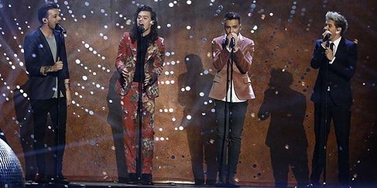 One Direction salutano le fan a X Factor UK con l ultima esibizione insieme e il nuovo singolo History (Video)