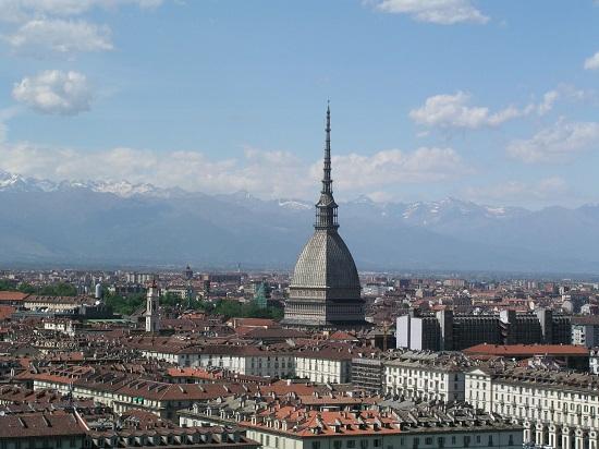 Torino Allarme bomba evacuazione in corso alla Mole Antonelliana