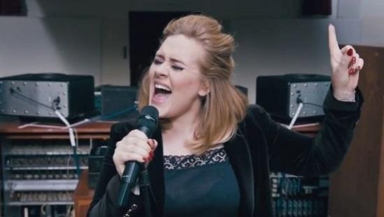 Adele lancia la nuova canzone When We Were Young (Testo, traduzione e video)