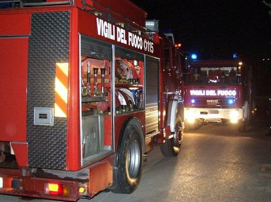 Tragedia a Savona crolla una palazzina nella notte. Due morti e ancora dispersi