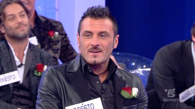 News Uomini e Donne, trono over: Sossio vince la sfilata e balla con Gemma