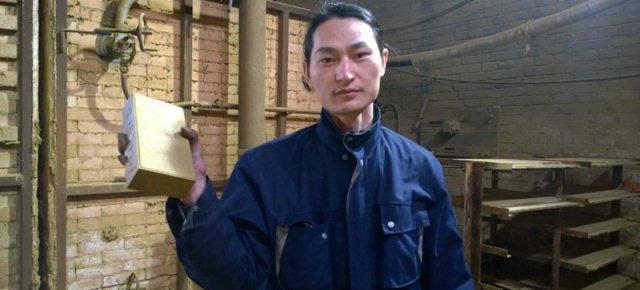 Con l'inquinamento Brother Nut realizza un mattone in Cina