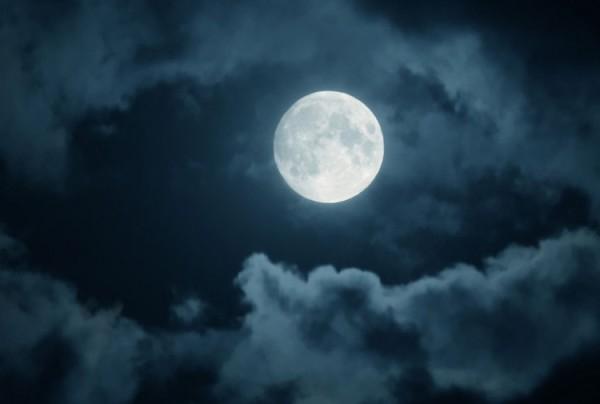 La Luna ha influenze anche sulla pioggia